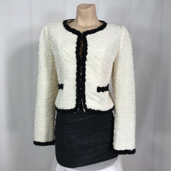 Forever 21 Jackets & Blazers - Forever 21 cream and black blazer size large